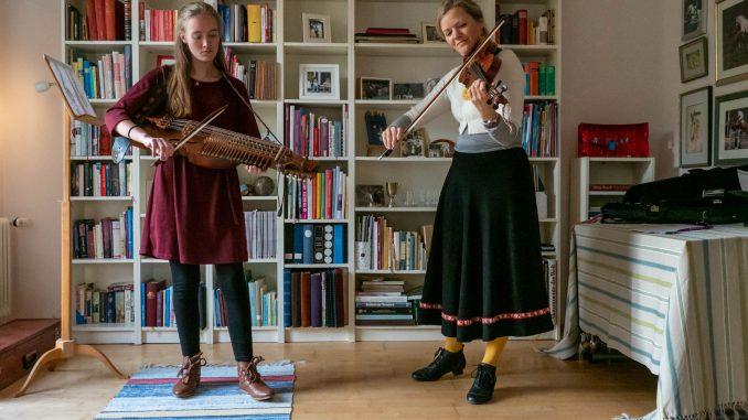 Margareta Schirmacher und Ingrid Bladt